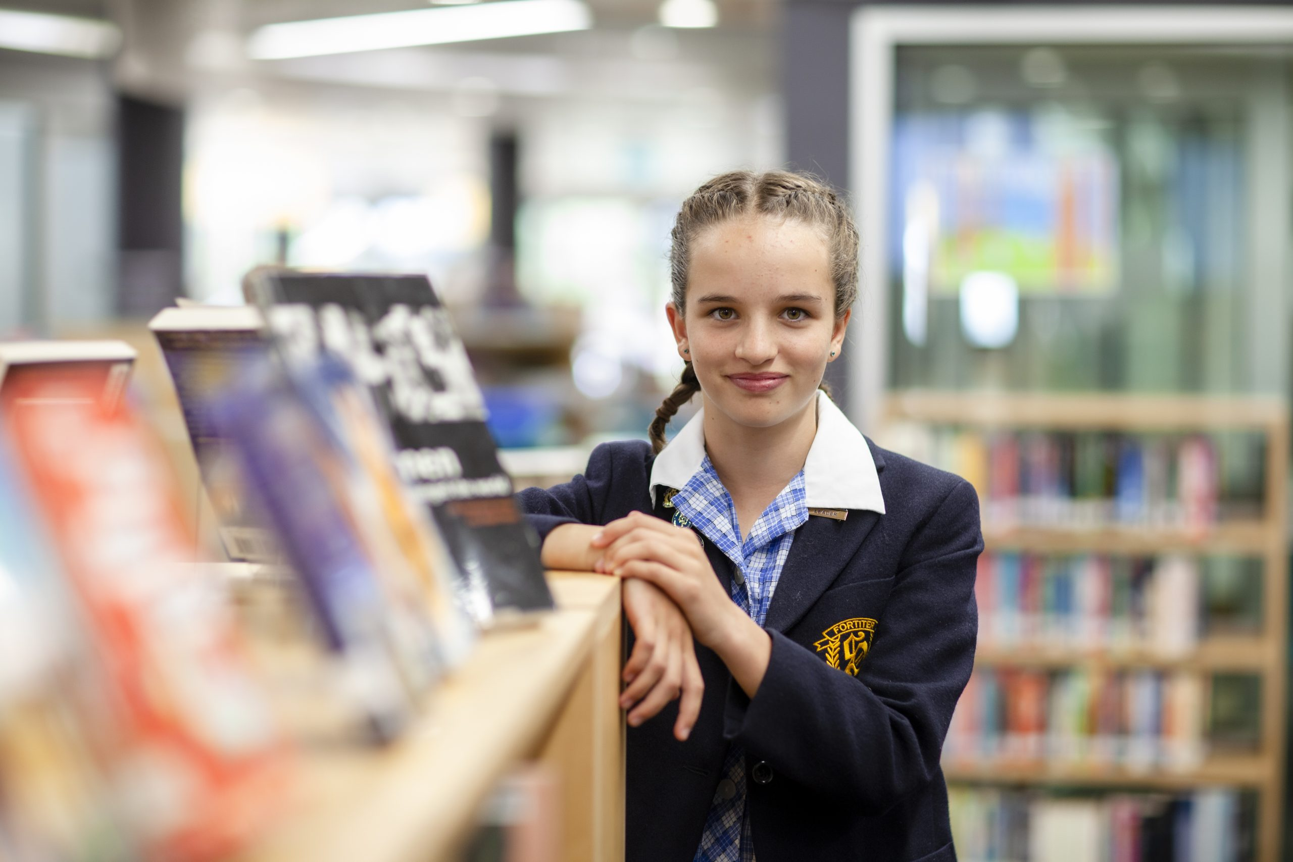 School tour library student